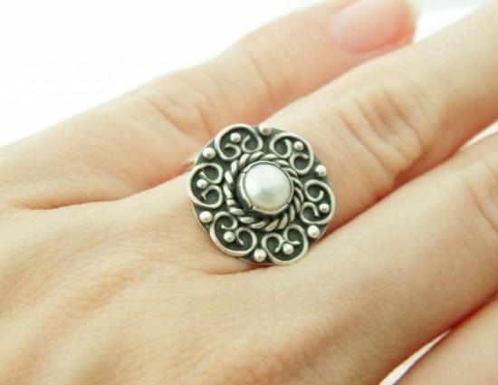 Серебряные кольца с жемчугом 3